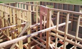 Для устройства деревянного каркаса необходимы следующие материалы